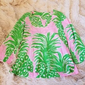 Lilly Pulitzer pineapple print blouse Small